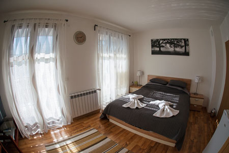 bedroom panoramic view
